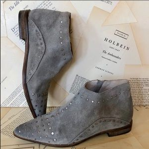 Free People Distressed Studded Flat Ankle Boots 37
